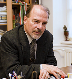 Dr. Barna Gábor